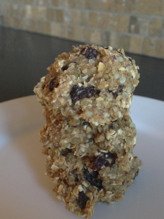 oatmeal raisin quinoa cookies